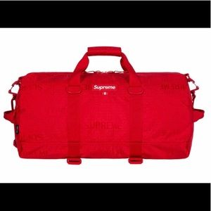 NWT SUPREME DUFFEL BAG SS19 IN RED CORDURA NYLON